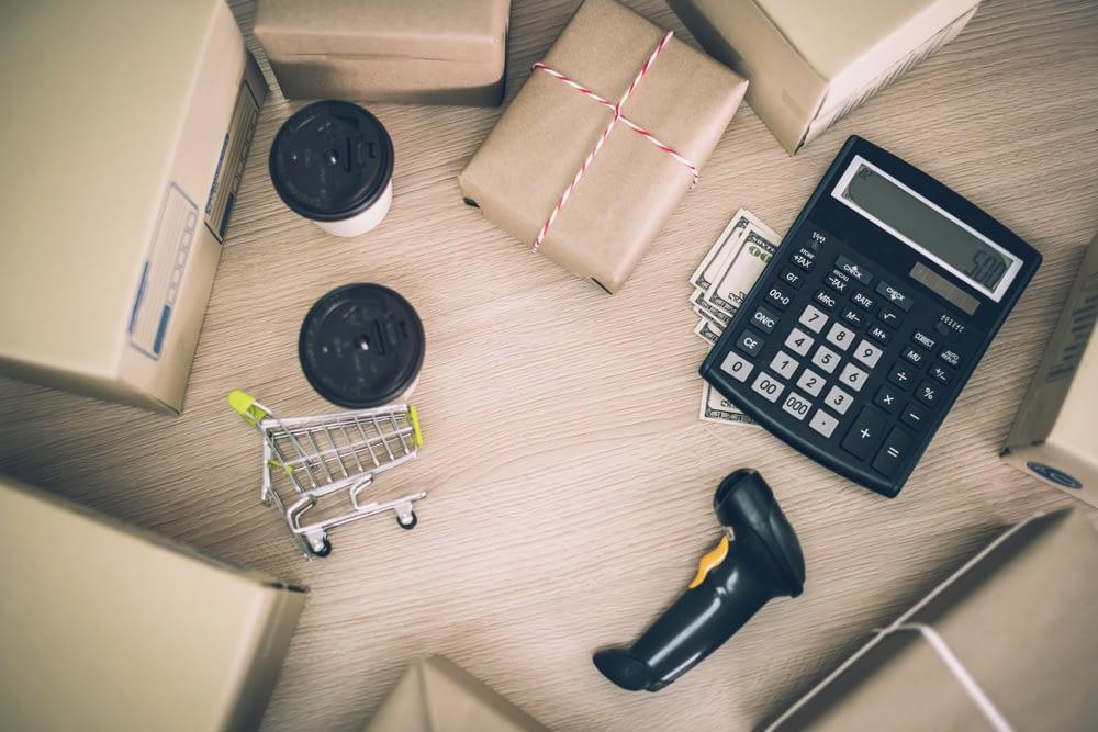 Você sabe o que é Net Shipping Cost? Conheça essa métrica e descubra como ela pode ajudar nos custos de suas operações logísticas.
