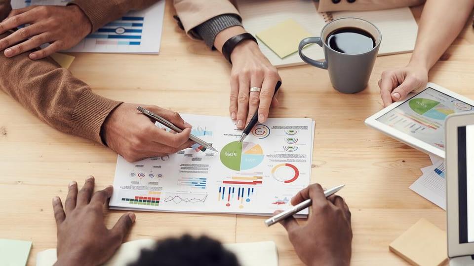 Quer otimizar a performance logística na sua empresa? Então, confira em nosso post dicas para continuar relevante no mercado agora mesmo.