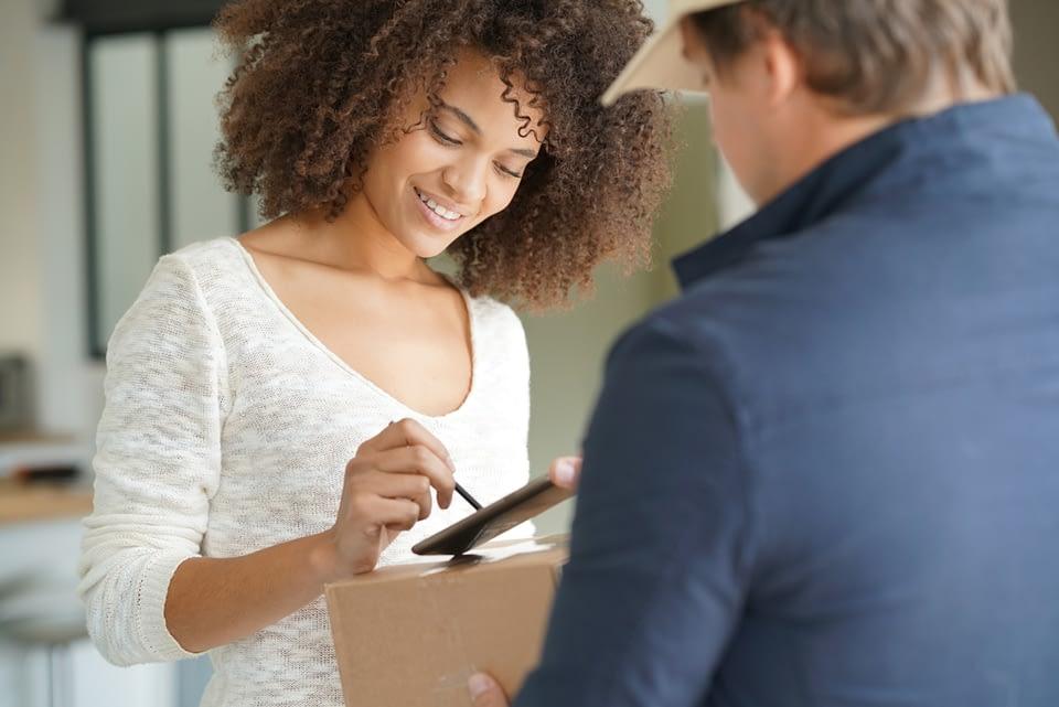 Você já conhece o canhoto digital? Descubra em nosso artigo qual a importância desse documento para o controle eficaz das entregas.